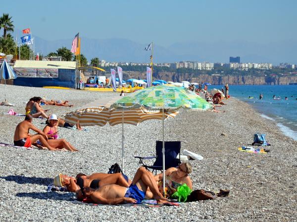 izlazak s turskom turistom 30 godina stara žena iz 25 godina starog muškarca